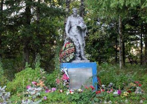 с. Рашкино Торжокского р-на. Братская могила советских воинов.