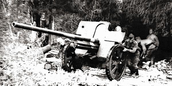 Пушка Ф-22 на Орловском направлении. 1943 г.