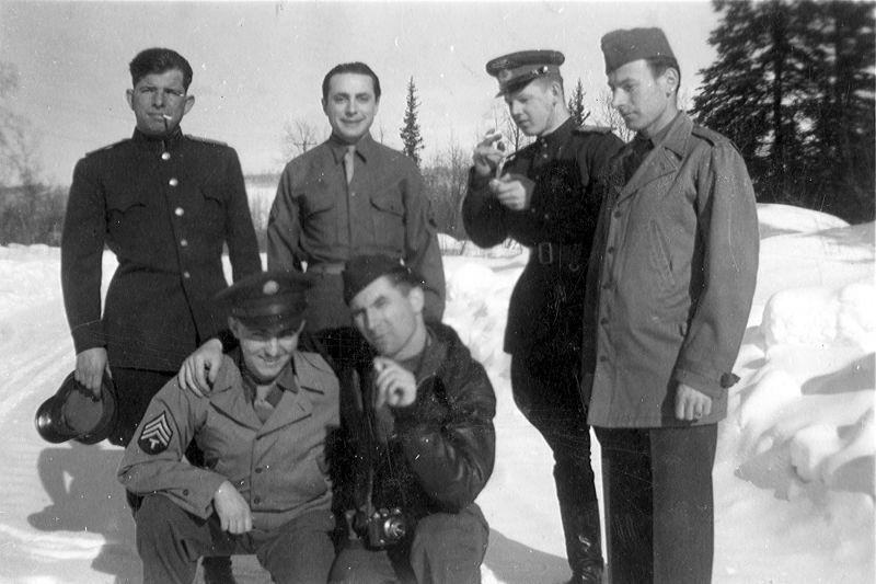Советский экипаж бомбардировщика A-20 «Бостон» и американцы на Аляске. 1942 г.