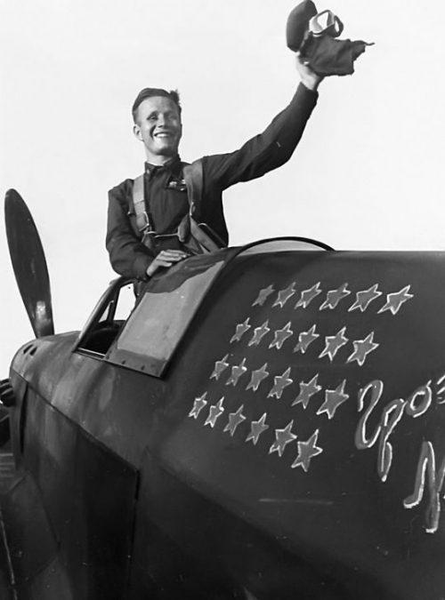 Летчик-истребитель, Герой Советского Союза Михаил Баранов. 1942 г.