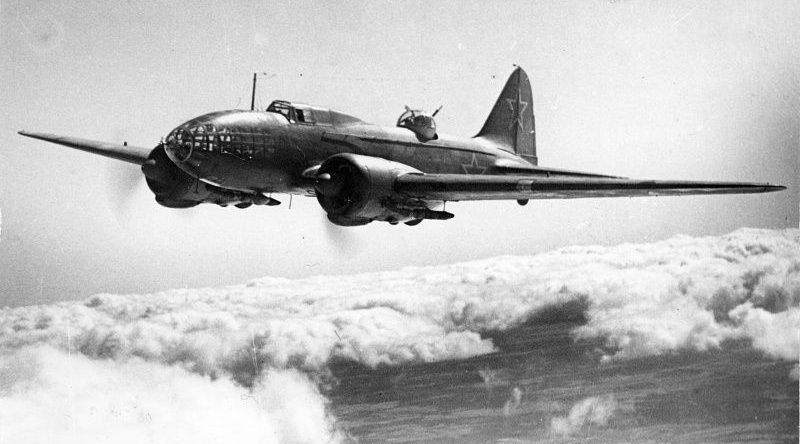 Бомбардировщик Ил-4 (ДБ-3Ф) в воздухе. 1943 г.