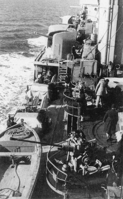 Орудие 70-К на крейсере «Красный Кавказ». 1944 г.