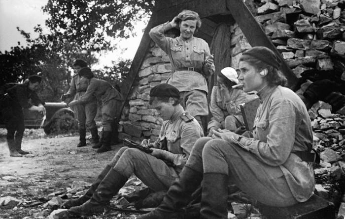 «Ночные ведьмы» на отдыхе. 1943 г.