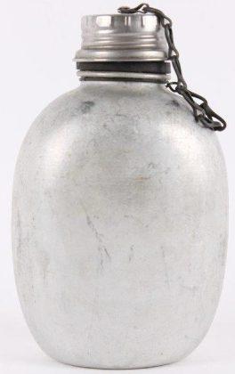 Алюминиевая армейская фляга.