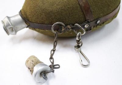 Армейская алюминиевая фляга, в суконном чехле образца 1940 г.