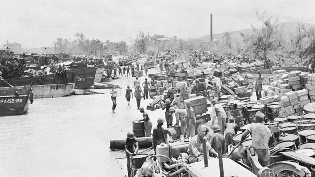 Высадка американских войск на Сайпан.