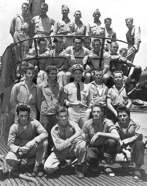 О'Кейн и летчики спасены у острова Трук в мае 1944 года.
