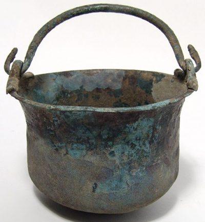 Римский бронзовый ведро-котелок легионера.