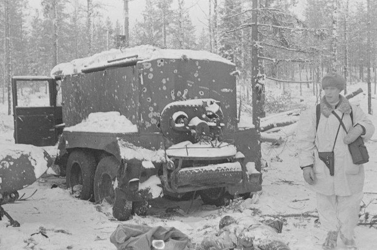 Автомобиль ЗИС-6 ВМЗ (водомаслозаправщик). Январь 1940 г.