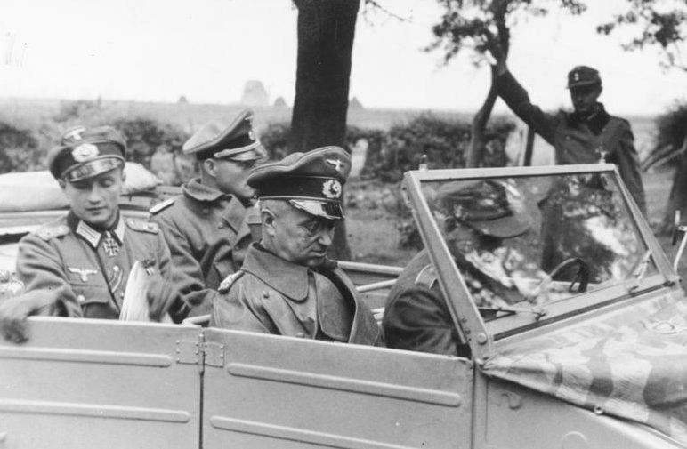 Командующий группой армий «Центр» фельдмаршал В. Модель.