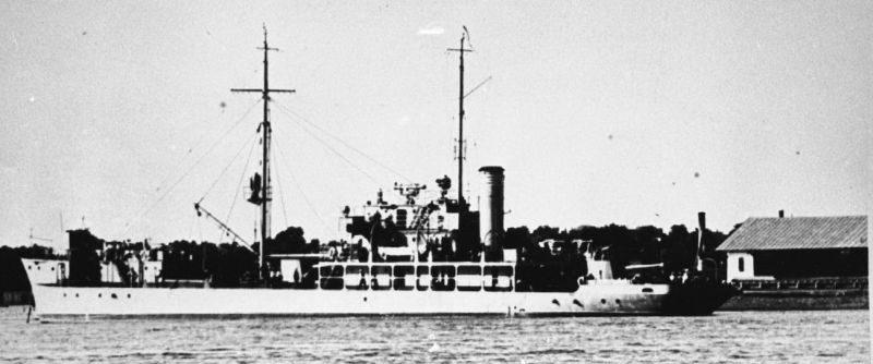Канонерская лодка Дунайской военной флотилии «Красная Армения» на базе в Измаиле. 1940 г.