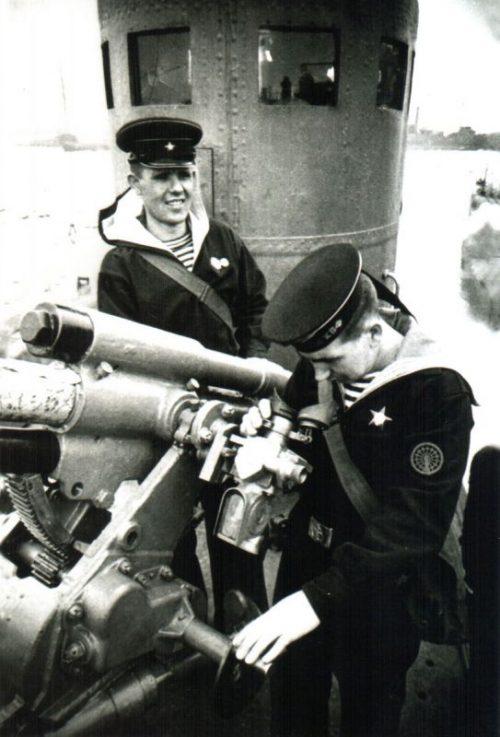 Артиллерийский расчет подлодки «Щ-311» у 45-мм орудия 21-К. 1940 г.