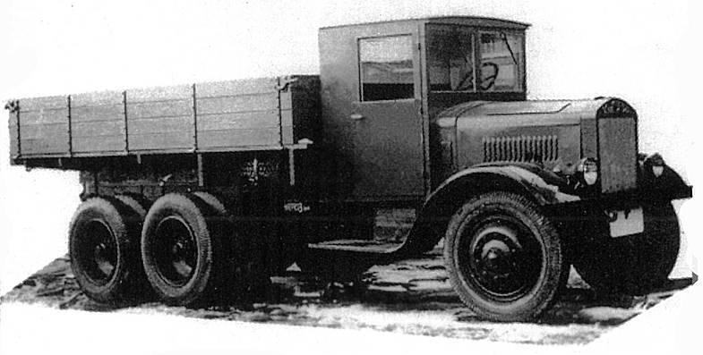 Трехосный грузовик ЯГ-10. 1940 г.