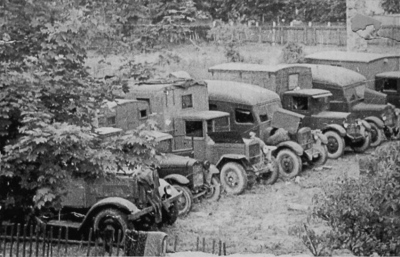 Автопарк воинской части. Май 1941 г.