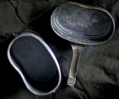 Армейский алюминиевый котелок немецкого образца.