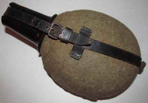 Фляга горнострелковых частей (егерей), ёмкостью 1 литр.