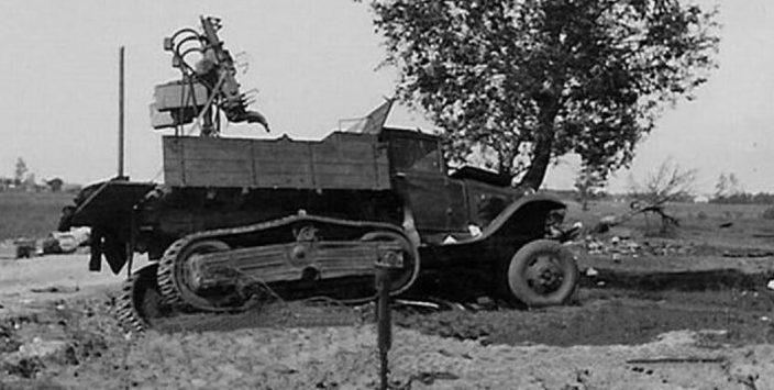 Советский полугусеничный грузовик ГАЗ-60 на службе у немцев. 1941 г.