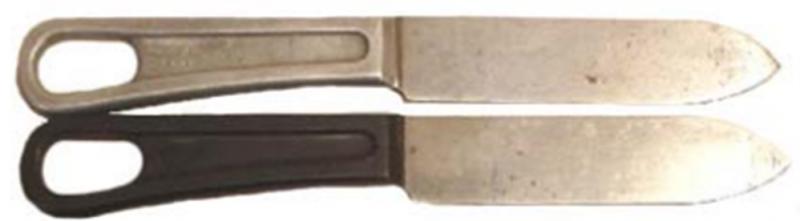 Ножи образца 1934 года с алюминиевой и бакелитовой ручкой.