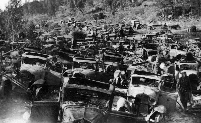 Советская автотехника, брошенная при отступлении в Карелии. 1941 г.