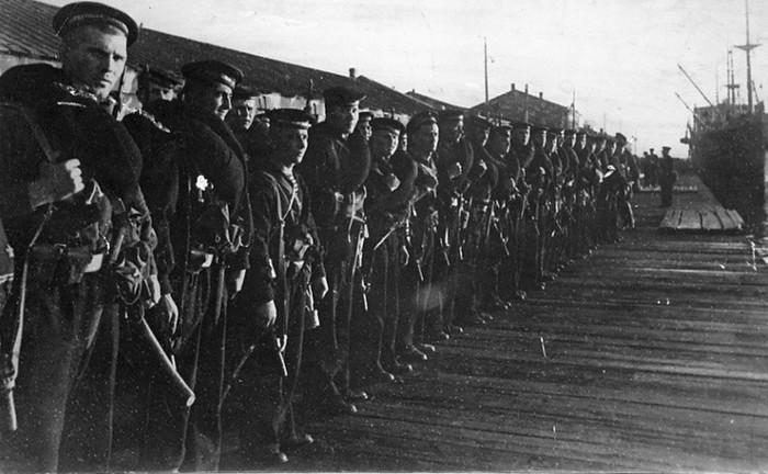 Эвакуация морской пехоты из Одессы в Севастополь. Октябрь 1941 г.