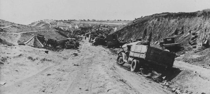 Советская автотехника, разбитая и брошенная на дороге под Керчью. Июнь 1942 г.