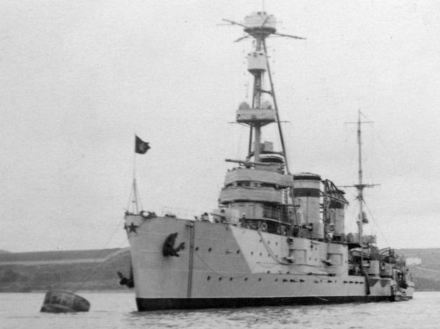 Легкий крейсер «Червона Украина» в Севастополе. 1941 г.