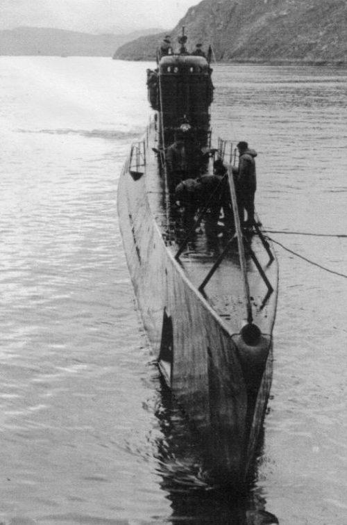 Подлодка С-102 у пирса в Полярном. Июль 1943 г.