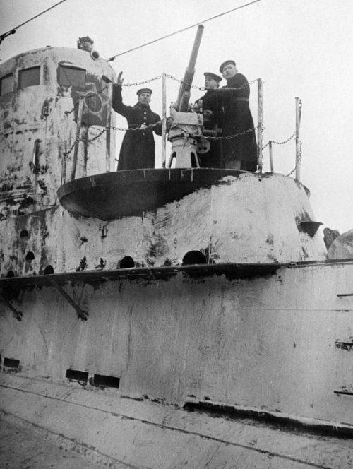 Комендоры подлодки Щ-309. 1943 г.