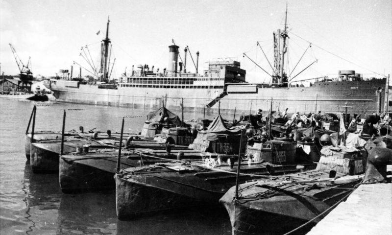 Торпедные катера Черноморского флота в румынском порту Констанца. Октябрь 1944 г.
