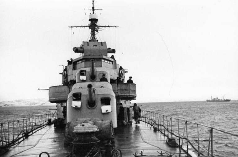 Эсминец Северного флота «Разумный» в море. 1944 г.