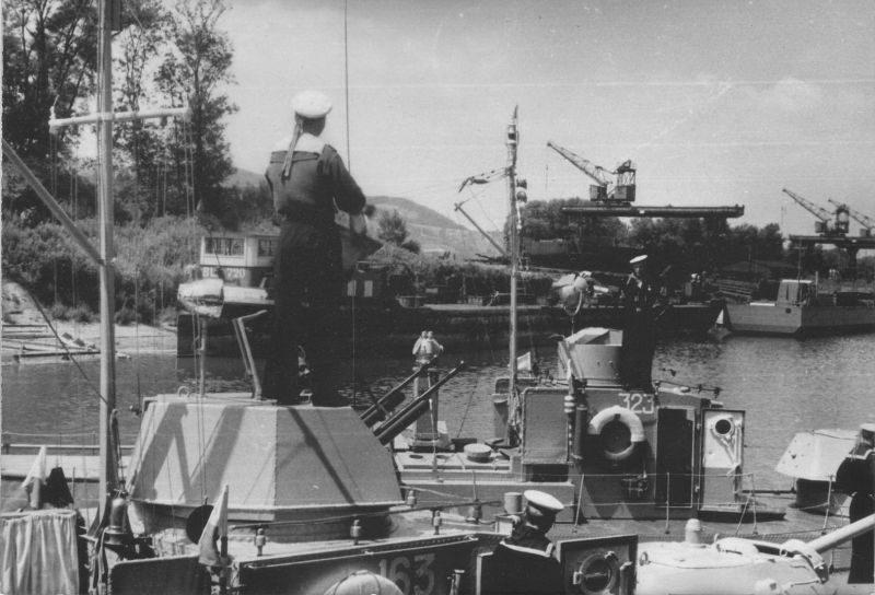 Советские бронекатера Дунайской военной флотилии в Австрии. Апрель 1945 г.