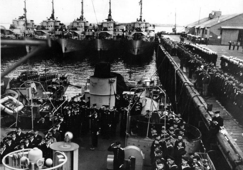 Передача советским морякам фрегатов из состава флота США. 1945 год. Сентябрь 1945 г.