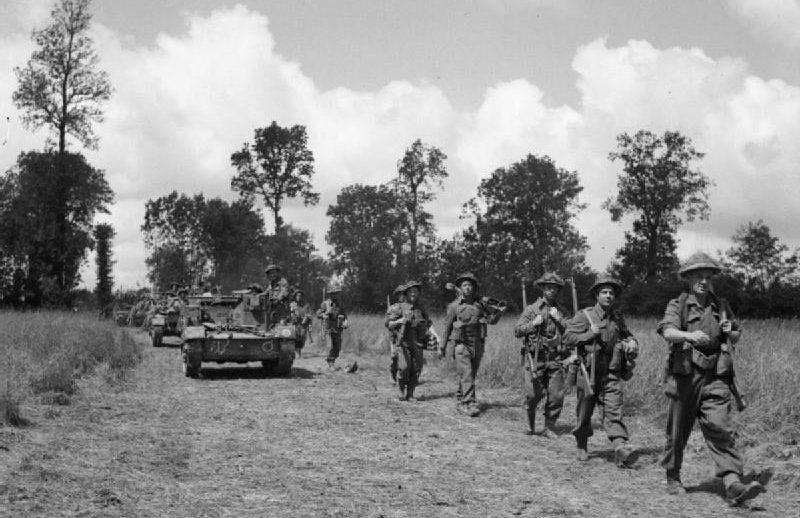 Британские войска в наступлении.