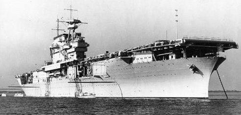 Авианосец «Yorktown» на якоре на Хэмптон-роудс, штат Вирджиния. 1940 г.