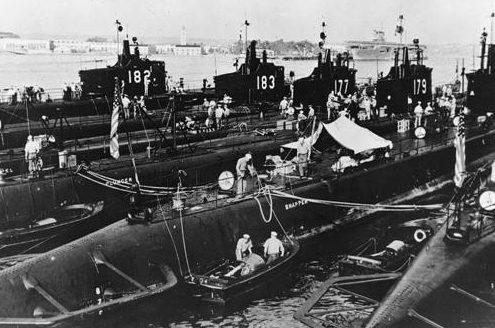 Подводные лодки в гавани Сан-Диего. Калифорния, 1940 г.