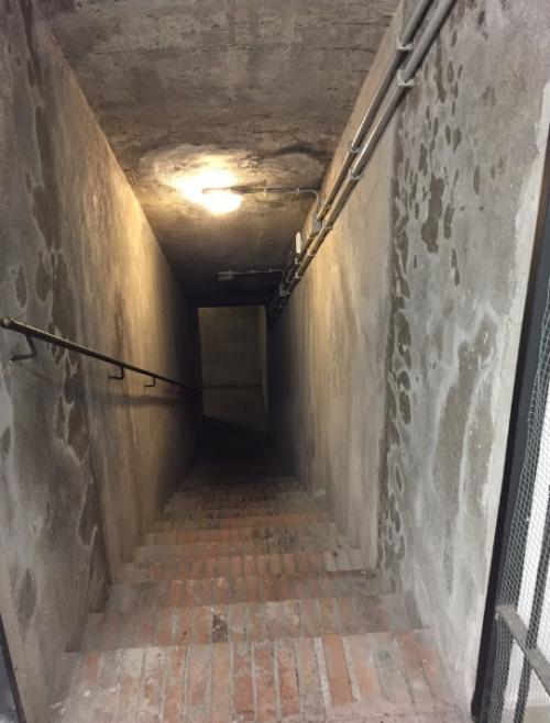 Вход в новый бункер в Торлонии.