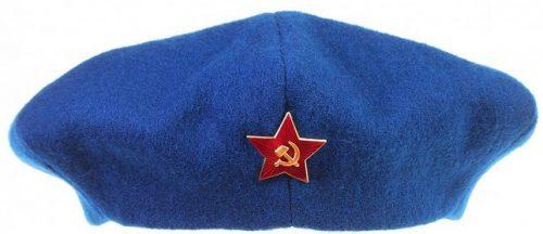 Шестиклинный берет женщин - военнослужащих РККА образца 1943 года.