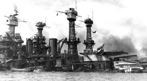 Затонувший линкор «Западная Вирджиния». Декабрь 1941 г.