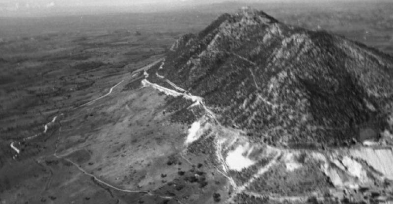 Вид на гору Соратте во время строительства.