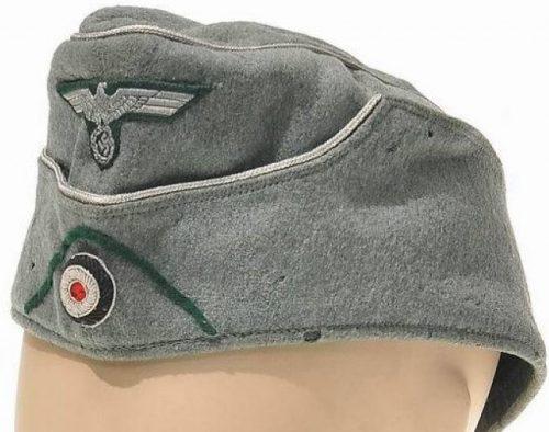 Пилотка офицера горно-егерских частей Вермахта образца 1938 года с обшивкой.