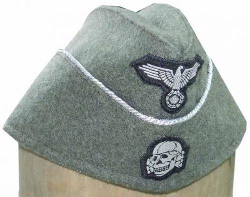Полевые пилотки офицера войск СС образца 1940 года с обшивкой.