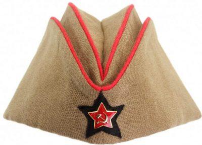 Пилотка командного и начальствующего состава артиллерии РККА образца 1935 года.