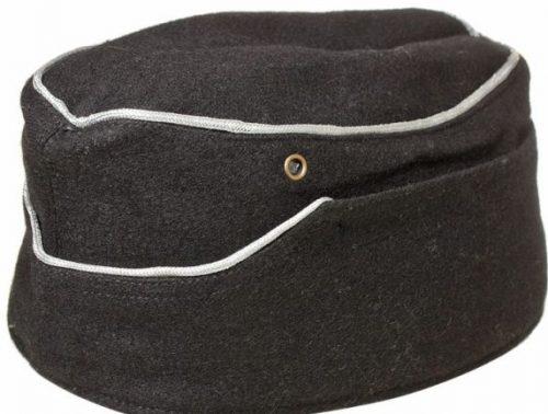 Черная суконная пилотка офицеров танковых частей Вермахта без обшивки.