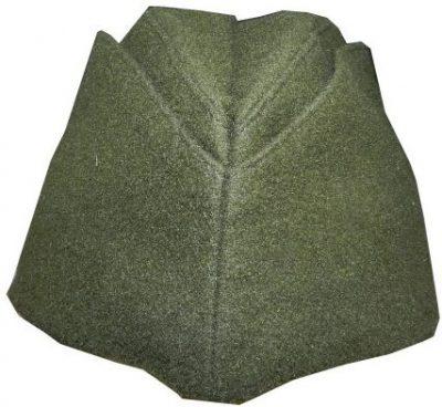 Пилотка красноармейская из темно-зеленого сукна образца 1940 года.