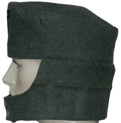 Пилотки нижних чинов Вермахта образца 1942 года без обшивки.