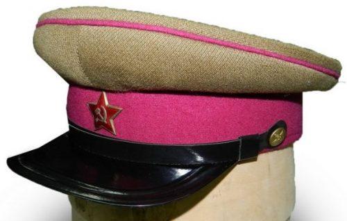 Фуражка красноармейца и младшего комначсостава пехоты РККА образца 1935 года.