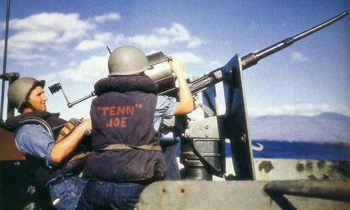 20-мм зенитная установка Oerlikon на борту линкора «Tennessee». 1942 г.