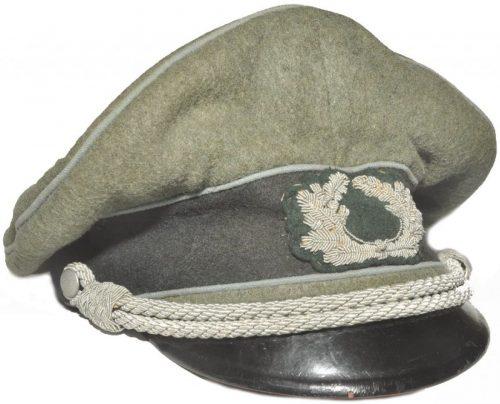 Фуражка пехотного офицера Вермахта с мягким верхом.