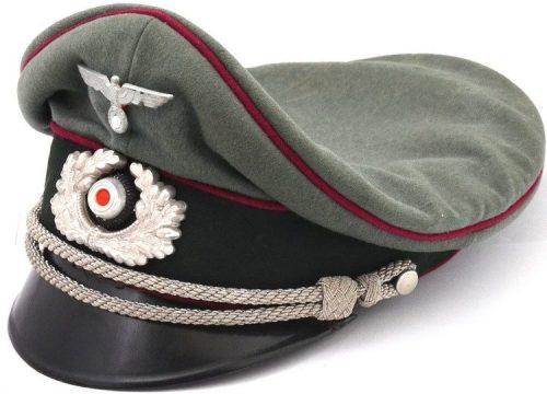 Фуражка офицера артиллерии Вермахта с мягким верхом.