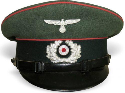 Фуражка нижних чинов бронетанковых войск Вермахта.